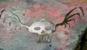 Confused Skull - Sitting